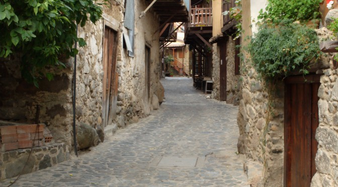 A walk in the alleys of Kakopetria
