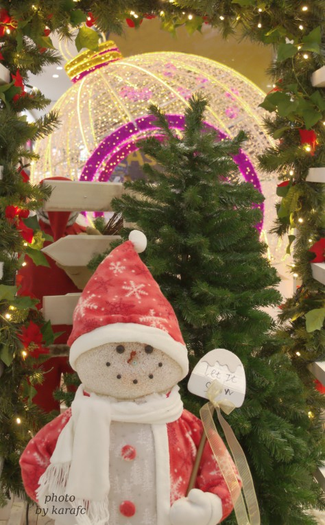 Christmas_greetings_wishesKings Avenue_mall_Pafos_Cyprus